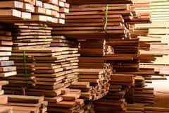 Azione della fabbrica e bordo di legno del legname Immagini Stock Libere da Diritti