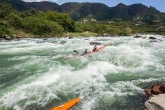 Azione delle rapide del fiume della corsa di Dusi della canoa Immagine Stock Libera da Diritti