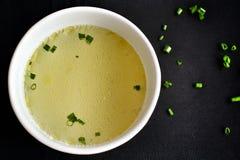 Azione di minestra del pollo Fotografie Stock Libere da Diritti