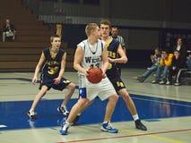 Azione di pallacanestro Fotografie Stock Libere da Diritti