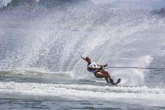 Azione di slalom delle donne - clementina Lucine Fotografia Stock
