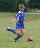Azione teenager 22 di calcio della gioventù Fotografie Stock