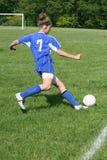 Azione teenager 7 di calcio della gioventù Fotografia Stock