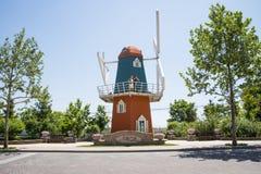 Azja chińczyk, Pekin, Europejska architektura, wierzchołek piękny wiosny townï ¼ ŒWindmill Fotografia Royalty Free