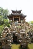 Azja chińczyk, Pekin, Yu ogród, Klasyczna ogrodowa architektura, Drewniany pawilon, rockery Zdjęcie Royalty Free