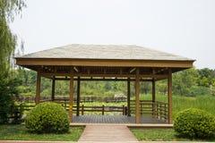 Azja Chiny, Pekin, Chaoyang park, ogrodowy landscapeï ¼ ŒWooden pawilon Zdjęcia Royalty Free