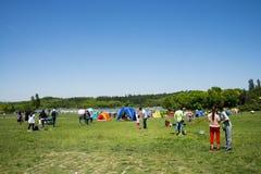 Azja Chiny, Pekin, Olimpijski lasu park, obszar trawiasty, czasu wolnego camping Obraz Royalty Free