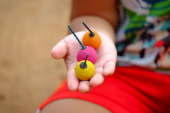 Azja dzieci trzyma krakers lub fajerwerk zdjęcie stock