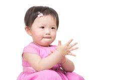 Azja dziewczynka klascze rękę obrazy royalty free