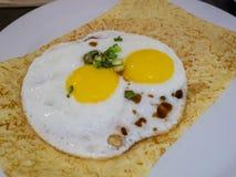 Azja stylowy pogodny jajko i jajeczna rolka Fotografia Stock