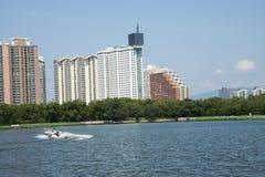 Azjata Chiny, Pekin, lotosowego stawu park, wodny jacht Zdjęcie Royalty Free