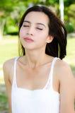 azjata kobieta parkowa relaksująca Obraz Stock