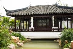 Azjata Pekin ogródu expo Porcelanowy ogród, antykwarscy budynki, pawilony, jezioro, odbicie Fotografia Royalty Free