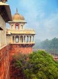 Azjata stylu wierza, Czerwony bród, Agra, India Obrazy Royalty Free