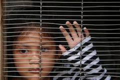 Azjatyccy dziewczyn dzieci w klatce Obrazy Royalty Free