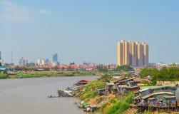 Azjatyccy rzeka kontrasty Fotografia Royalty Free