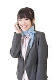 Azjatycka biznesowa kobieta opowiada na telefonie komórkowym Obrazy Stock