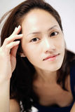 Azjatycka chińska dama uderza splendor pozę Zdjęcia Royalty Free