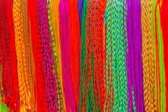 Azjatycka ręcznie robiony tkanina robić z lokalnym rzemieślnikiem i sprzedaje przy rynkiem w Kathmandu, Nepal fotografia royalty free