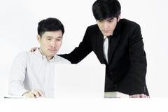 Azjatycki żłobu pracownika i biznesmena pensyjny mężczyzna pracującego tog zdjęcia royalty free