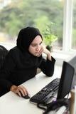 Azjatycki Arabski pracownik Zdjęcia Royalty Free