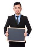 Azjatycki biznesmena przedstawienie z chalkboard Fotografia Royalty Free