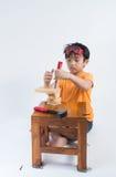 Azjatycki chłopiec sztuki inżynier obrazy stock