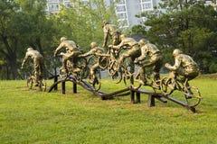 Azjatycki chińczyk, Pekin, Międzynarodowy rzeźba park, rzeźba, ciosu saksofon, muzyk Zdjęcia Royalty Free