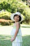 Azjatycki dziecko z lato kapeluszem Fotografia Royalty Free
