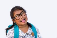 Azjatycki dziewczyny ` s uśmiech i Naramienna torba szczęśliwa i gotowa iść szkoła fotografia royalty free