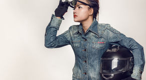 Azjatycki kobiety patrzeć Zdjęcie Stock
