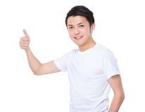 Azjatycki mężczyzna z kciukiem up Zdjęcie Royalty Free