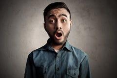 Azjatycki mężczyzna zaskakujący i szok zdjęcie royalty free