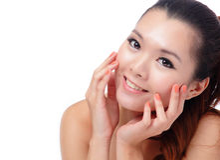 Azjatycki piękna skóry opieki kobiety ja target301_0_ Fotografia Royalty Free