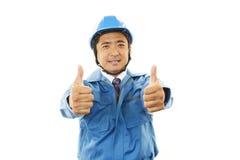 Azjatycki pracownik pokazuje aprobata znaka Fotografia Royalty Free