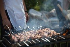 Azjatycki shish kebab, grill w podwórku w lecie Obrazy Stock