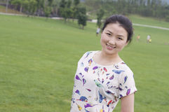 Azjatyckie kobiety w parku Obrazy Royalty Free
