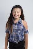 Azjatyckiej ślicznej dziewczyny szczęśliwy uśmiech zdjęcia royalty free