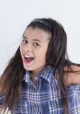 Azjatyckiej ślicznej dziewczyny szczęśliwy uśmiech obraz royalty free