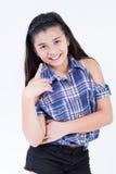 Azjatyckiej ślicznej dziewczyny szczęśliwy uśmiech fotografia royalty free