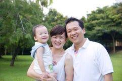 azjatykci rodzinny szczęśliwy Zdjęcia Stock