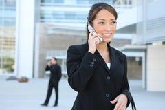 azjatykcia telefon kobieta jednostek gospodarczych Zdjęcia Royalty Free