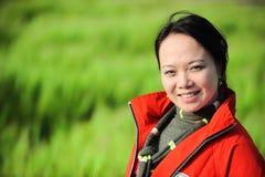 azjatykcia trawy czerwieni kobieta Fotografia Stock