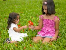 azjatykcich dzieciaków parkowy bawić się Zdjęcia Stock