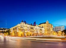 Azneft fyrkant på Maj 30 i Baku, Azerbajdzjan royaltyfri foto