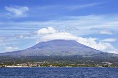 azore海岛pico海运视图火山 库存图片