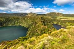 Azores kształtują teren w Flores wyspie Siklawy w Pozo da Alagoin Obrazy Royalty Free