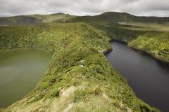 Azores kształtują teren z jeziorami w Flores wyspie Caldeira Comprida Zdjęcia Stock