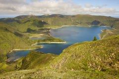 Azores kształtują teren z jeziorem Lagoa robi Fogo, Sao Miguel Portugalia Obraz Royalty Free