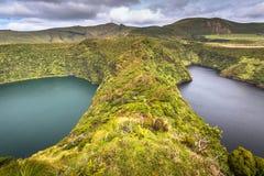 Azores kształtują teren z jeziorem w Flores wyspie Caldeira Funda Pora Zdjęcie Royalty Free